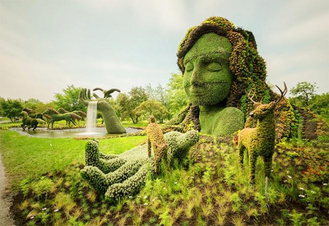 Frau-mit-Hirschen-Skulptur-Blumen-Montreal-kanada-Wettbewerb