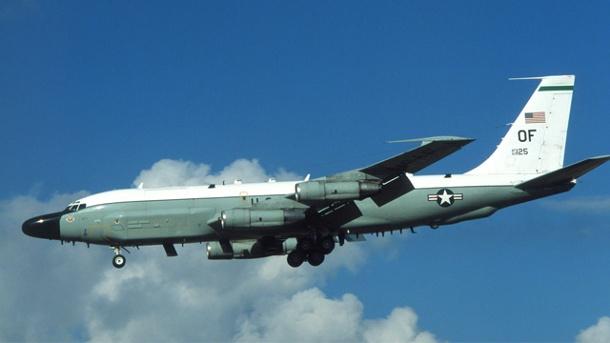 ein-spionageflugzeug-vom-typ-rc-135-rivet-joint