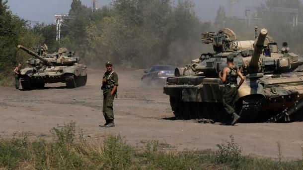 russische-soldaten-in-der-naehe-der-ukrainischen-grenze