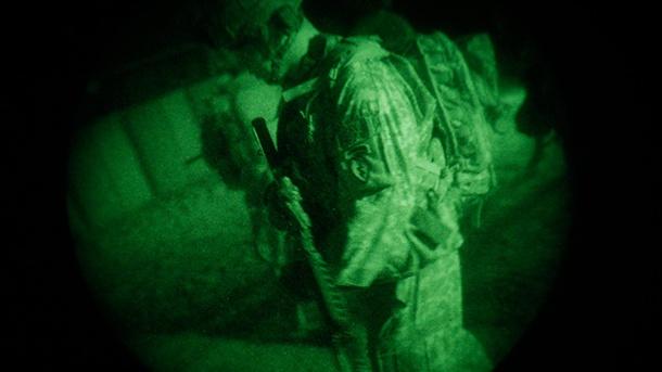 us-soldat-im-nachteinsatz