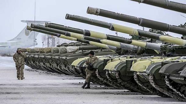 zu-den-ukrainischen-panzern-duerften-sich-bald-toedliche-waffen-aus-den-usa-gesellen