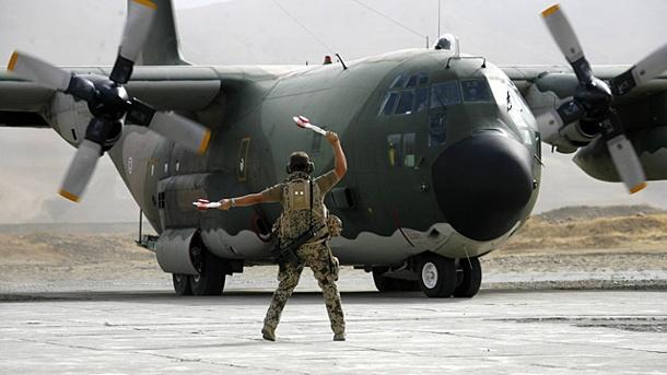 bundeswehrsoldaten-mussten-mit-einem-charterjet-nach-afghanistan-fliegen-