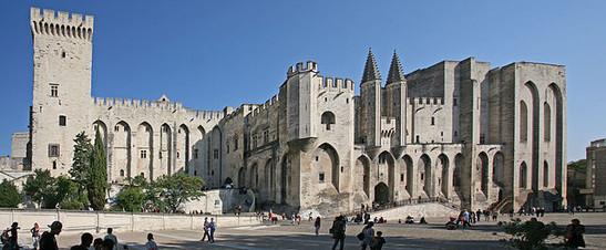 wikipedia-papstpalast-in-avignon-von-jean-marc-rosier-from-http-www-rosier-pro