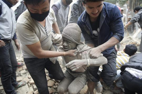 Powerful-earthquake-hits-Nepal