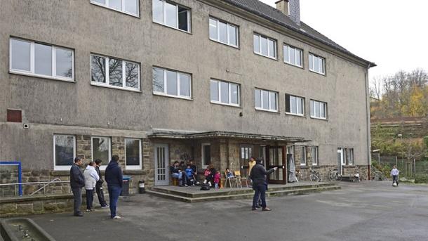 in-deutschland-beantragen-so-viele-menschen-asyl-wie-seit-anfang-der-90er-jahre-nicht-mehr-