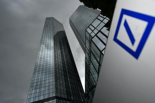 Dunkle-Wolken-ueber-der-Deutschen-Bank