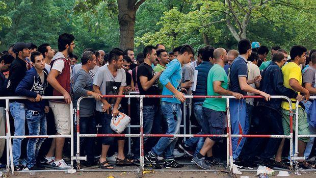 männliche fluechtlinge-berlin-mitte