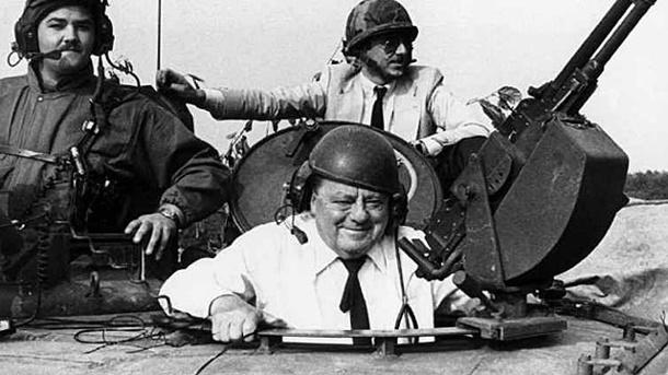 strauss-1982-in-einem-us-kampfpanzer-von-1956-bis-1962-war-er-bundesverteidigungsminister-
