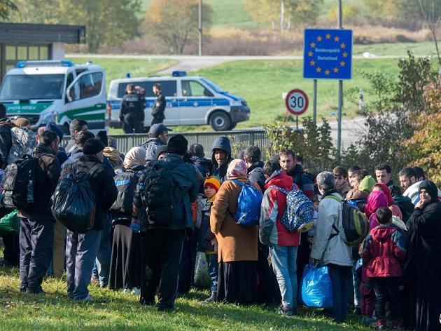 fluechtlinge-an-der-deutschen-grenze