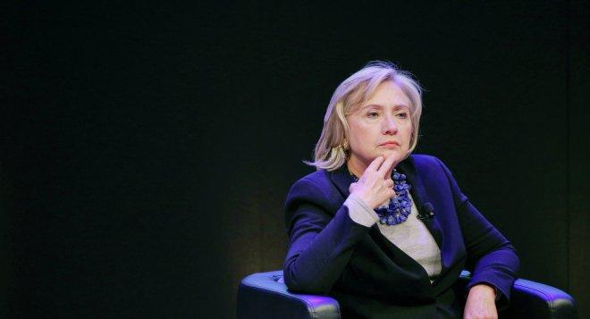 Clinton-nachdenklich