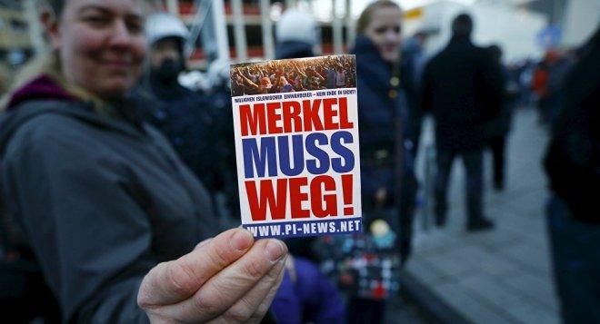 Merkel muß weg