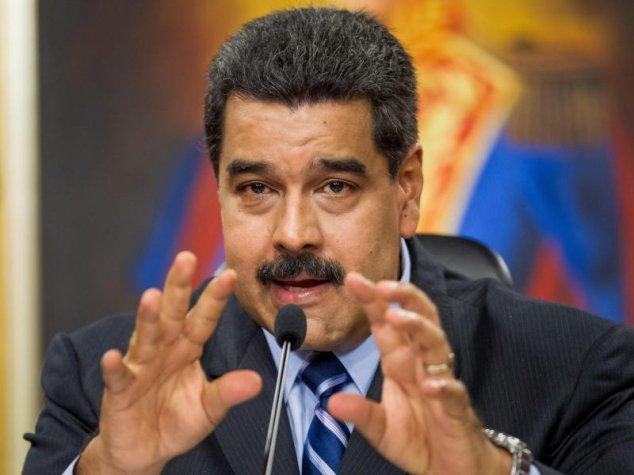 Befuerchtet_eine_US-Invasion_in_seinem_Land__Venezuelas_sozialistischer__Praesident_Nicol__s_Mad_pt_8