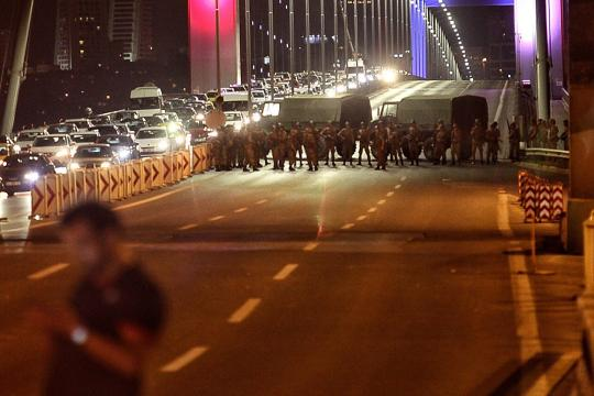Military-Occupy-Strategic-Locations-In-Turkey-