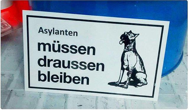 """Ärger wegen Hundeverbots-Schild: """"Asylanten müssen draußen bleiben"""""""