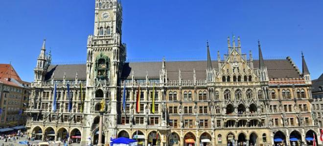 800px-neues_rathaus_in_muenchen_-_panorama
