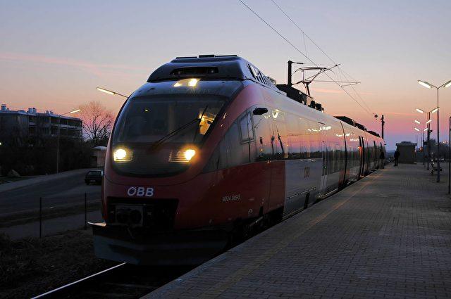 railway-140967_1920-640x425