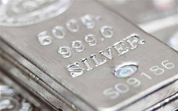 silver-bullion-closeup-silber-barren