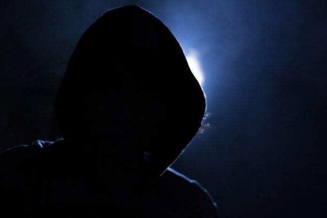 hacker-1725256_1280-2-696x464